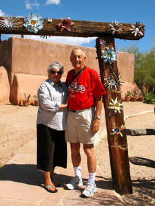 10/05/08: Mom & Dad, DeGrazia Gallery in the Sun.