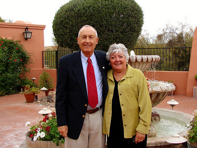 11/23/06: Mom and Dad at Anthony's in the Catalinas.