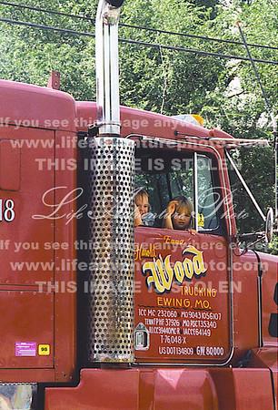 8-8-98 Amber Jennifer in Ewind Day Parade