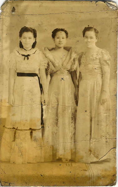 Mama in the middle with friends