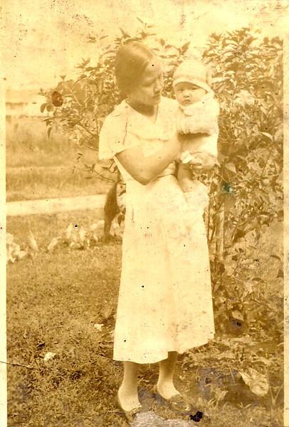 Mama & Mary Etta<br /> 1934
