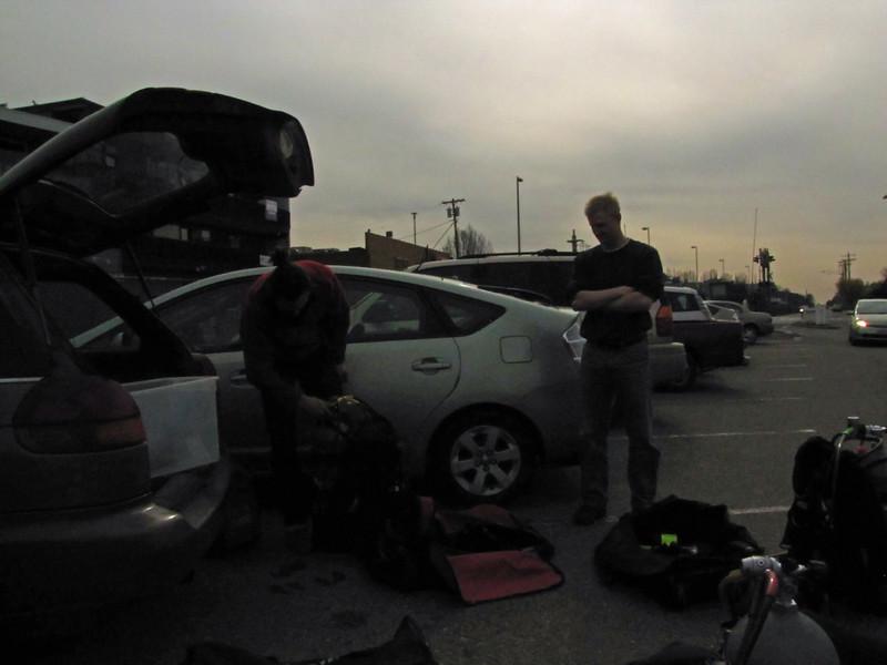 Setting up scuba gear. dive, Dive, DIVE!!!