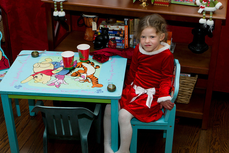 004 Eliza kids table