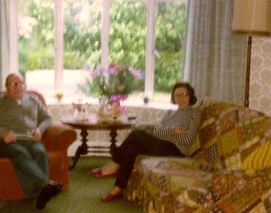 DPB-168: David Barr Snr and May (Maisie) Barr nee McKeown relaxing in front room for 187,