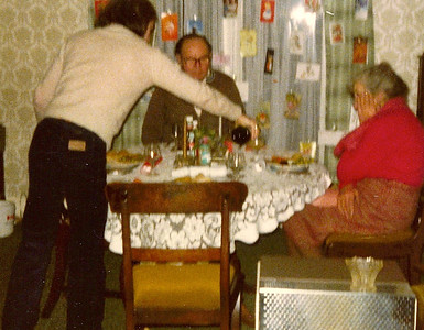 DPB-160:  David Barr, David Barr Snr,  and ELizzie McKeown Christmas circa 1970 at 187