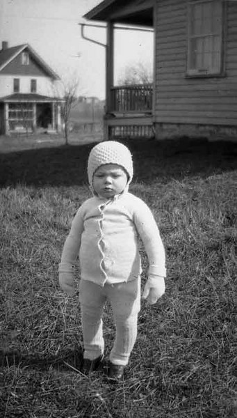 I titled this Snow baby as there are dolls of this kind dressed in this type of outfit.