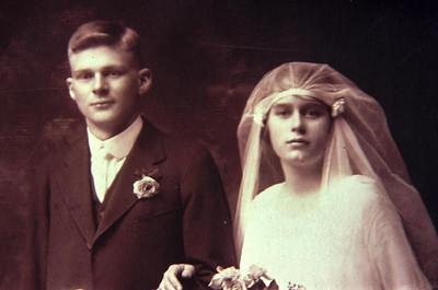 19200601-Elwins-family.jpg