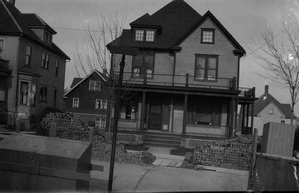 This was the family home before Benson Street but Dad can't put a name to the street.