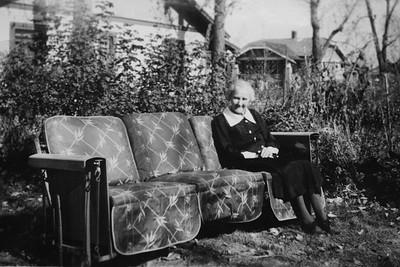 Nellie Cain Bledden Wade, garden swing