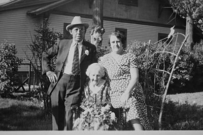 George Bledden, Bessie Wade and Nellie Cain Bledden Wade, ca 1945
