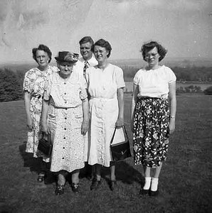 This is Hazel, Evald in back row. Hilda, Lilly and Janet in front row.