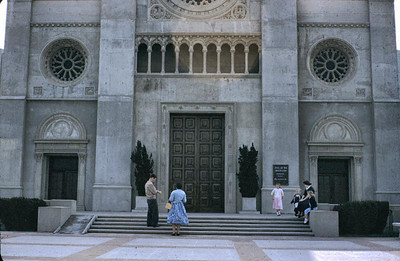 Mom and the kids - Forest Lawn, Glendale, CA