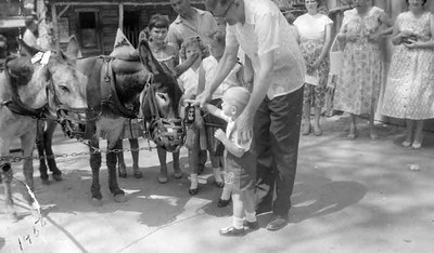 Again with grandpa Edberg, Linda and kathy at knotts Berry Farm