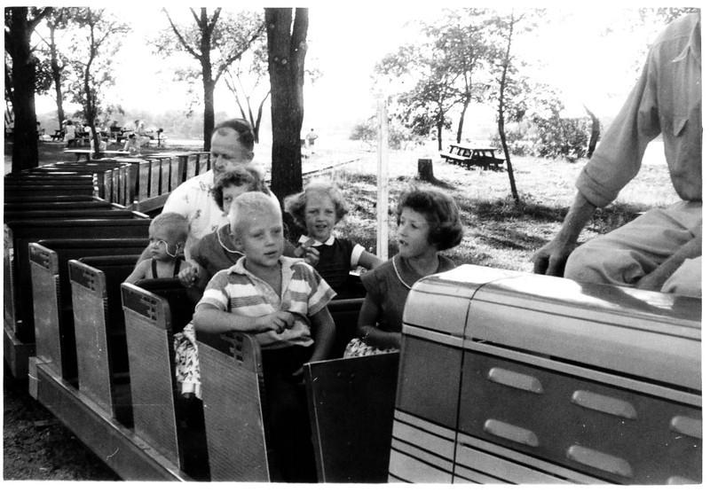 1952 - Alan & Karen Juleen, David & Lynn Juleen, Dawn, Bud Juleen