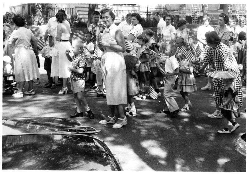 1953, July 4 - Alan & Mom