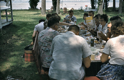 19600704_more_of_the_picnic.jpg