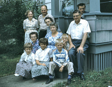 This was a get together of Evalds side of the family. Elsie his youngest sister, Harold his youngest brother, Janet, Hazel, Eva, Harolds wife, Kathy, Linda. Rennie, Wayne, Evald and Johnny Carlson.