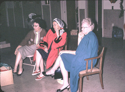 19670601_women_at_church