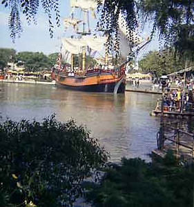 This is such a nice picture of the boat at Disneyland.