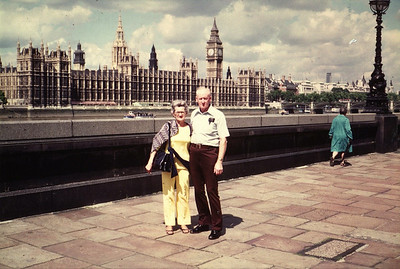 Lois & Richard Bellmor In London Europe Trip Sept 1979