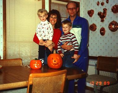 1989:10 Morgan, Ann, Justin & Russell Bellmor OurFirst Halloween