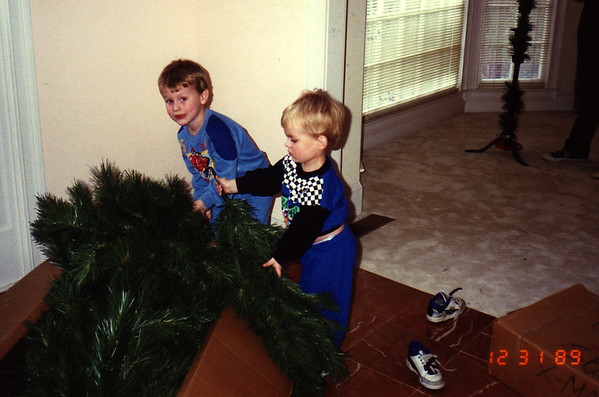 1989:12 Justin & Morgan Bellmor Taking The Christmas Tree Down