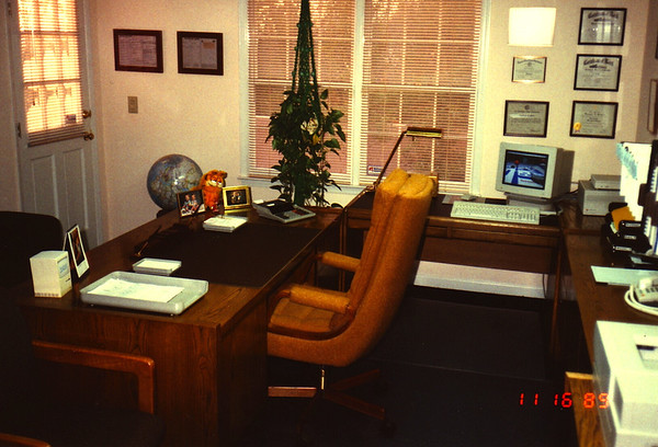 1989:11 Russell Bellmor's Home Office Highland Pointe Home 01