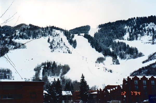 Apple Task Force Meeting Aspen, Colorado December 1994