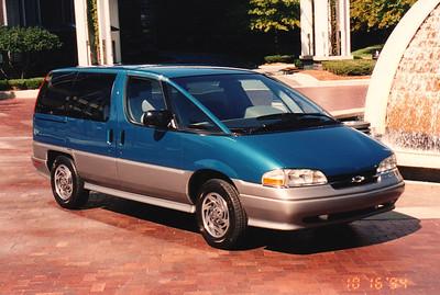 Ann Bellmor's 1995 Chevrolet APV Van 10-1994 01
