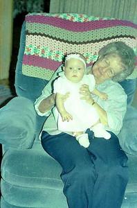 19950801-paige-Grandma-Pat