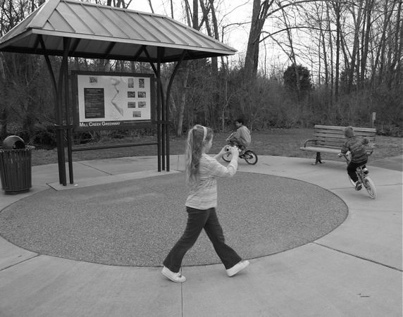 050305_5195_2_BW_Kids_Park_Bike