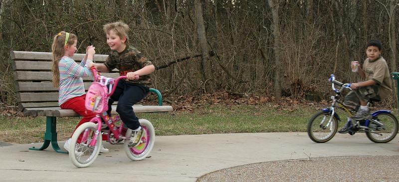 050305_5187_1_Kids_Park_Bike