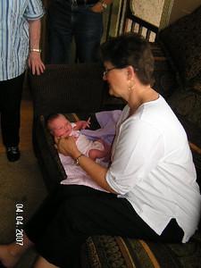 Gracie considers Auntie Linda's advice