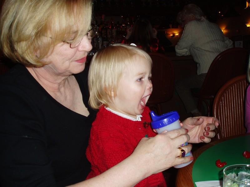 2003-12-24Tori Christmas 200311
