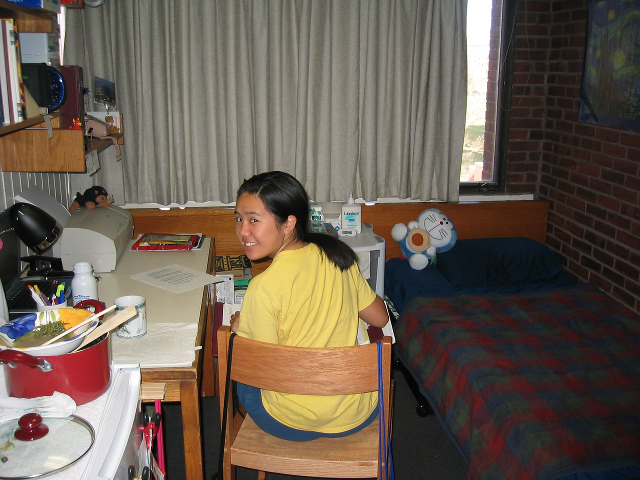 2003 11 07 Friday - Muoy Muoy in her MIT Frosh dorm room studying