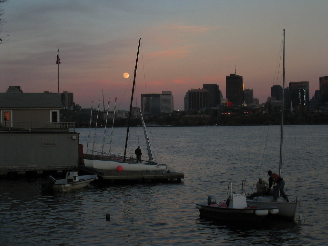 2003 11 07 Friday - Sailing on the Charles River @ MIT - Bad moon rising, 1 day before lunar eclipse