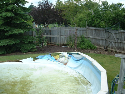 06-13 -23: Pool Collapse