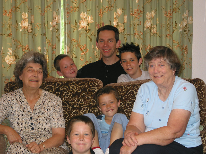 Sam, John, James, Audrey, Jack, Ben, Daphne - July 2004