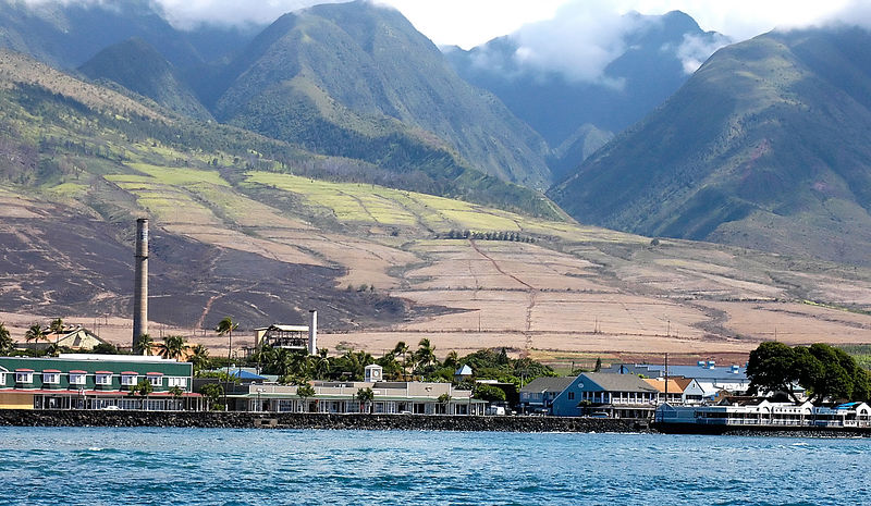 (11-12-2005)  The beautiful town of Lahaina.