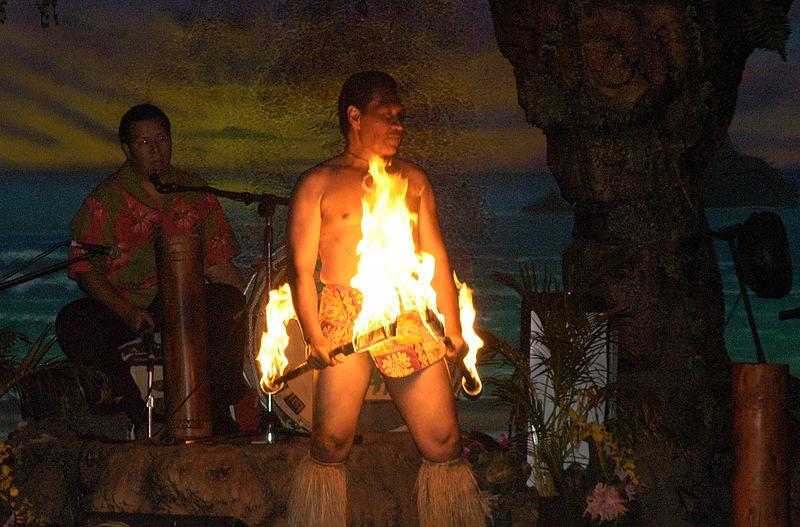 (11.11.2005, Maui, HI) The Fire Dance at the Luau.