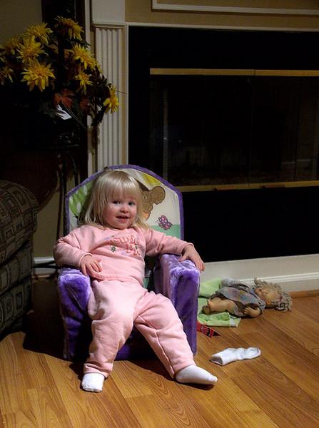 071026_8591w_RSP_SRG_Chloe_Chair