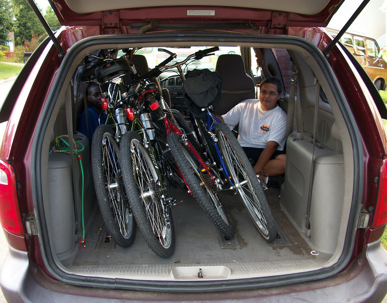 4 men and 4 bikes packed into a minivan - July 2010
