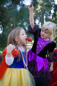 10/28 - Snow White and the Queen.