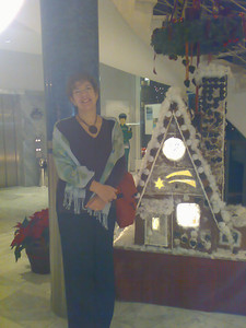 Barbara at the Holiday Inn, Schoenefeld Airport - quite an impressive hotel!