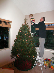 Gavin decorating the tree