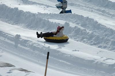 02-16-07 Snow Tubing-020