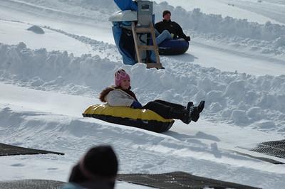 02-16-07 Snow Tubing-021