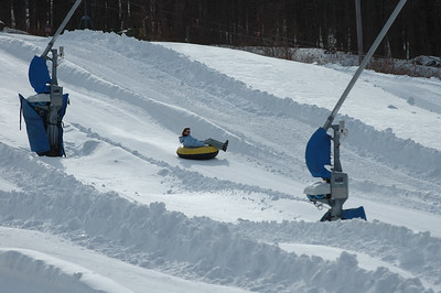 02-16-07 Snow Tubing-016
