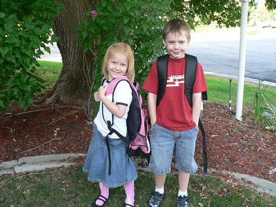 08 20 Connor & Abbie 1st day of school Horizon