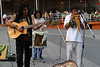 Старый Монреаль - Данька слушает мексиканских музыкантов